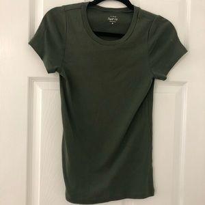 J crew short sleeve perfect fit tee medium